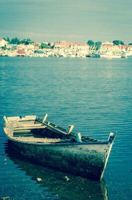 Fototapeta opuštěné dřevěný člun