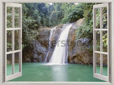 Fototapeta Otevřené okno pohled na tropické vodopád poblíž města vodopádů, Iligan, Mindanao, Filipíny