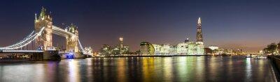 Fototapeta Panorama von der Tower Bridge bis zum Shard v Londýně