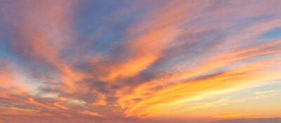 Fototapeta Panoramatický východ slunce obloha s barevnými mraky
