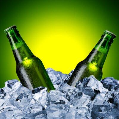 Fototapeta Pivní láhve na kostky ledu
