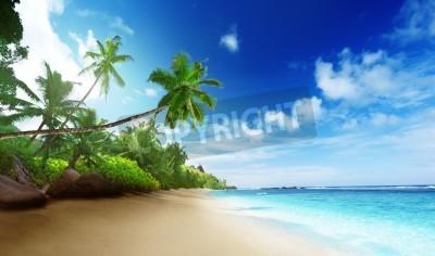 Fototapeta pláž v době západu slunce na ostrově Mahé na Seychelách