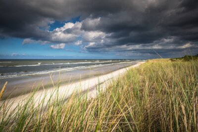 Fototapeta Pohled na krásné písečné pláži ve městě Leba, Baltic Sea, Polsko