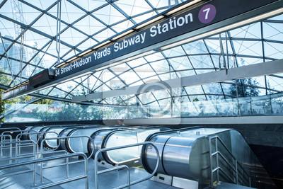 Fototapeta Pohled na vstup do nového Hudson Yards 7 železniční stanici metra