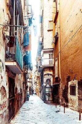 Fototapeta Pohled z ulice na staré město ve městě Naples
