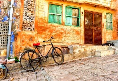 Fototapeta Pohled z ulice staré čtvrti ve městě Jodhpur v Indii