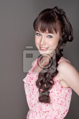 a4c01b93843a Portrét krásné usmívající se dívka s pihami fototapeta • fototapety ...
