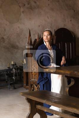 3648af31a15b Fototapeta princezna královna trůn středověké šaty starověké mladé modré  šaty zámecké okno pohádka