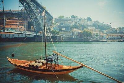 Fototapeta Rabelo člun, tradiční portské víno doprava na řece Douro.