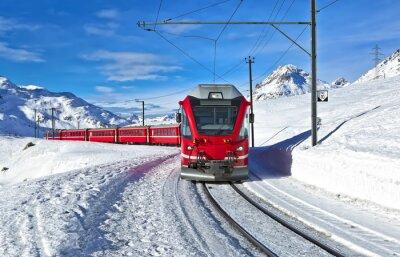 Fototapeta Red swiss vlak sněhem