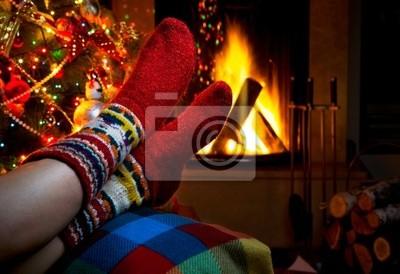 romantická zimní večer u krbu Vánoce