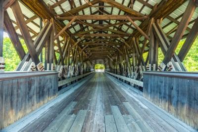 Fototapeta Rowell krytý most je krytý most v Hopkinton, New Hampshire který nese Rowell mostovou silnici přes Contoocook řeku. Je to most s dlouhým krovem.