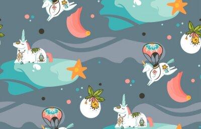 Fototapeta Ručně kreslený vektor abstraktní grafické tvůrčí kreslené ilustrace bezproblémové vzor s kosmonaut jednorožec se starou školní tetování, komety a planety ve vesmíru izolovaných na tmavém pozadí