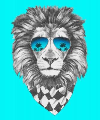 Fototapeta Ručně malovaná portrét lva se slunečními brýlemi a šátkem. Vektorové samostatný prvky.