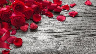 Fototapeta Růže na dřevěné desce