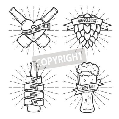 Fototapeta Sada pivních výtisků tričko. Pivní etikety, odznaky, designové prvky. Klasické stuhy s legrační uvozovek. Fráze o pivu.