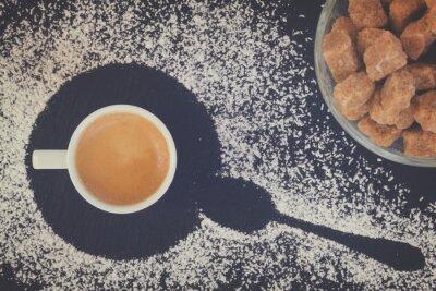 Fototapeta šálek kávy espresso s cukrem, pohled shora, retro tónovaný