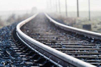 Fototapeta Single Lane železnice v ranní mlze
