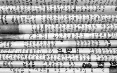 Fototapeta Stack z novin v černé a bílé