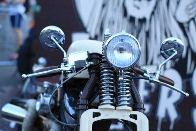 Fototapeta Staré ročník motocykl s chromovými akcenty a světlometem