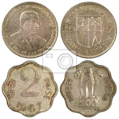 c86158678 Staré vzácné mince z indie, izolovaných na bílém pozadí fototapeta ...