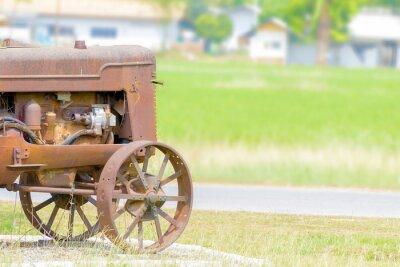 Fototapeta starožitné traktor v rýžového pole