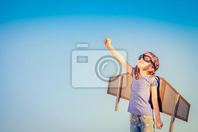 Fototapeta Šťastné dítě hrát venku