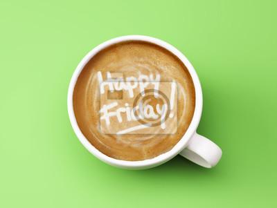 Šťastný pátek Coffee Cup Concept izolovaných na zeleném pozadí