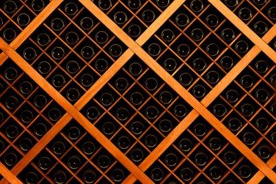 Fototapeta Stěna láhví vína
