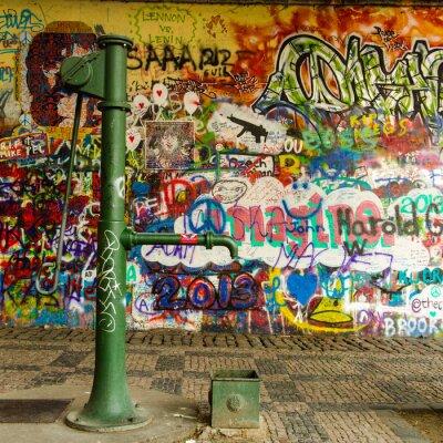 Fototapeta Studna a graffiti zeď