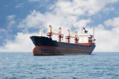 Fototapeta Suché nákladní loď plující na moři
