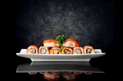 Fototapeta Sushi a rohlíky na talíř