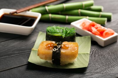 Fototapeta Sushi s japonskou omeletou