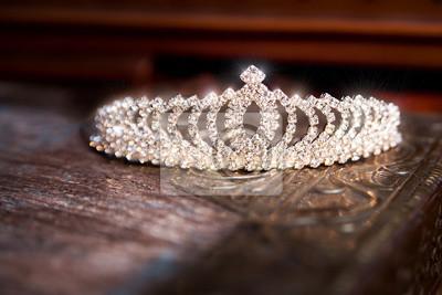Svatební korunka diadém. luxusní doplňky fototapeta • fototapety ... 173b7d8c79