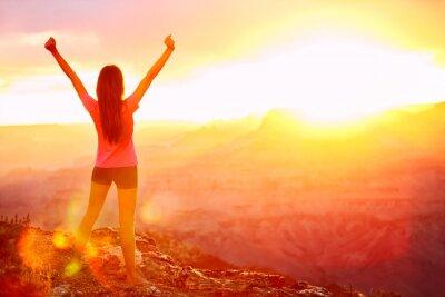 Fototapeta Svoboda a dobrodružství - šťastná žena, Grand Canyon