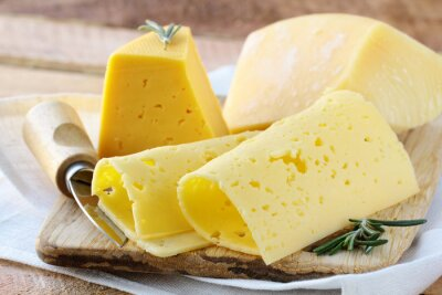 Fototapeta sý různé druhy sýrů na aperitiv