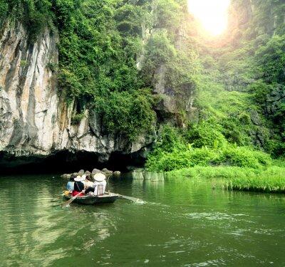Fototapeta Turistická loď nejoblíbenější místo ve Vietnamu.
