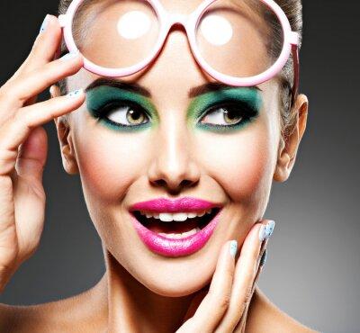 Fototapeta Tvář krásné expresivní dívky s módní make-up