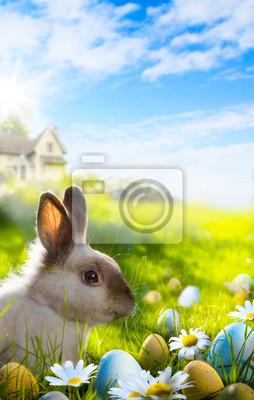 Umění Barevné velikonoční vejce a králík na zelené trávě