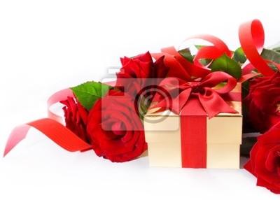 umění Valentine Day zlaté dárková krabička a červená růže na bílé zázemí,