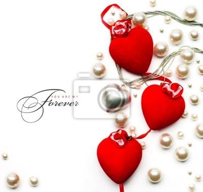 umění Valentine den přání s červené srdce na bílém backgro