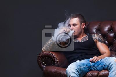 Kouření na pohovce