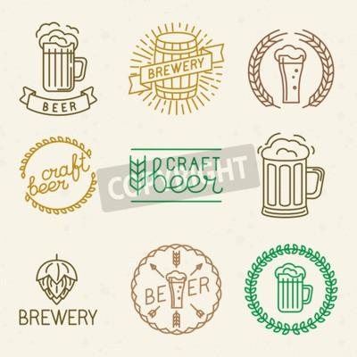 Fototapeta Vector řemeslné piva a pivovarských loga a značky v moderním lineárním stylem - mono linie odznaky a emblémy s textem a nápisem pro pivnic, hospod a pivovarnických společností
