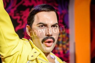 Fototapeta Vídeň, Rakousko - 08.08.2015: Freddie Mercury figurka Na Madame Tussauds Wax Museum.