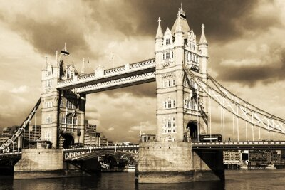 Fototapeta Vintage pohled na Tower Bridge v Londýně. Sepia tónovaný.