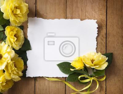 Vintage přání se žlutými růžemi