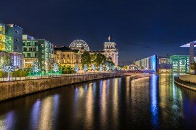 Fototapeta Vláda okres v noci v Berlíně