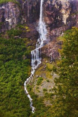 Fototapeta Vodopád poblíž ledovec Briksdal - Norsko