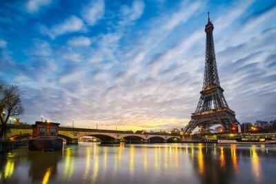 Fototapeta Východ slunce na Eiffelovu věž, Paříž