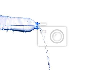 Fototapeta Vylévání vody z láhve